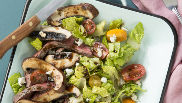 Portobello Mushroom and Steak Salad with Blue Cheese